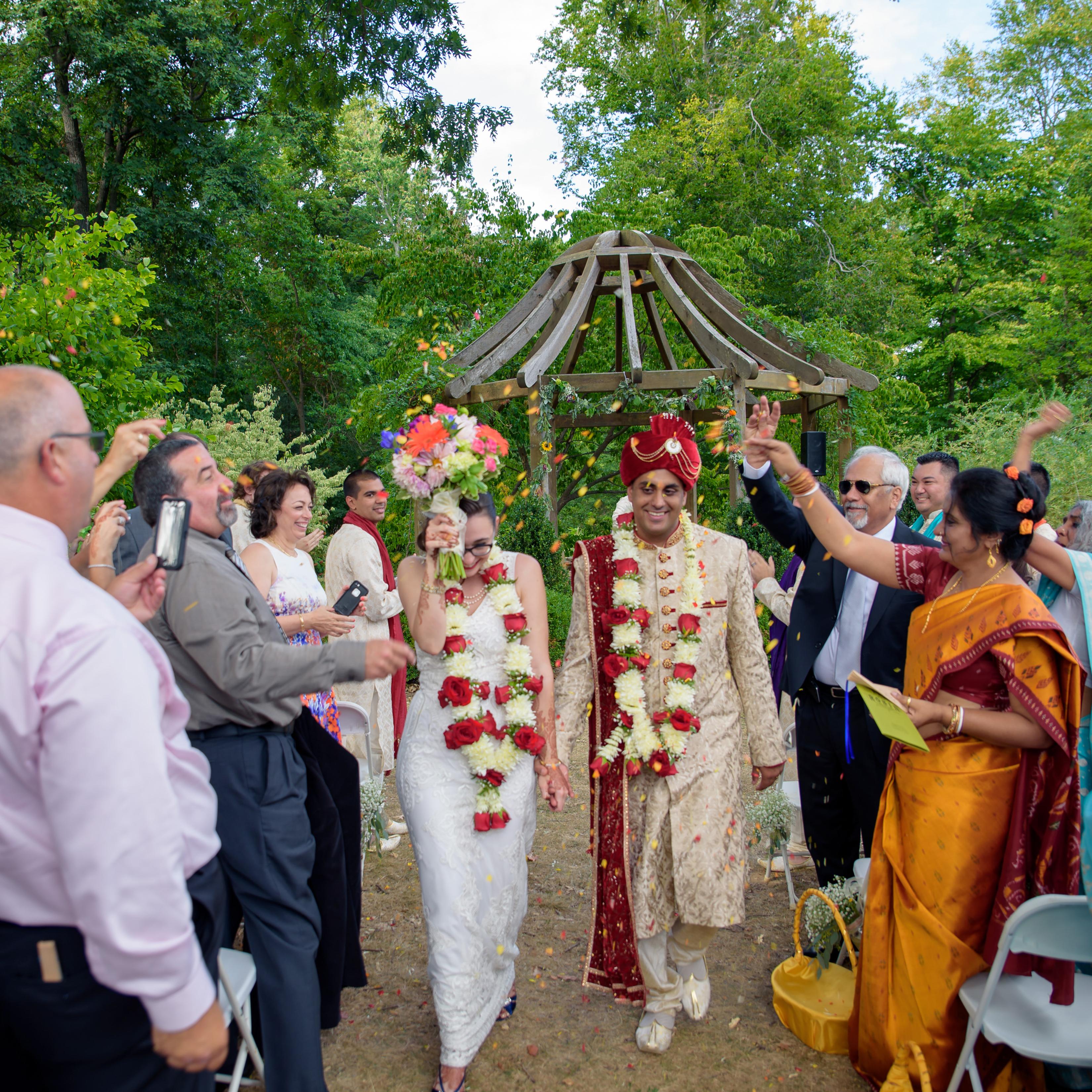 Garden Wedding Ceremony: Wedding Ceremonies And Receptions